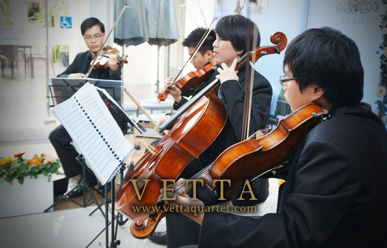 Live Band at Moevenpick Heritage Hotel Sentosa