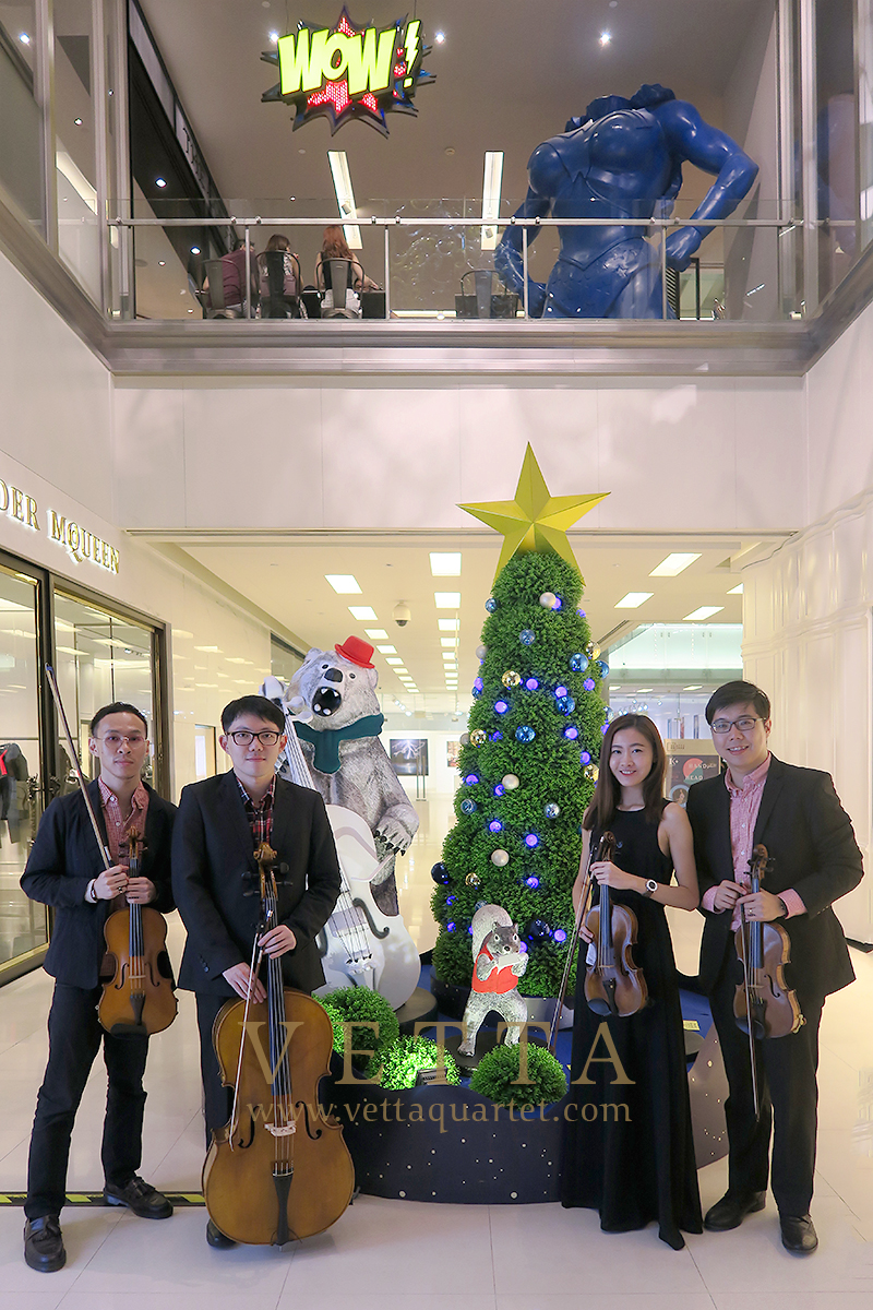 VETTA Xmas performance at Scotts Square Atrium